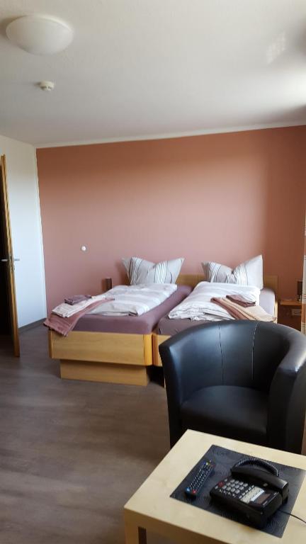 Haus Fu Emden Karte.Hotel Am Kleinbahnhof Deutschland Emden Booking Com
