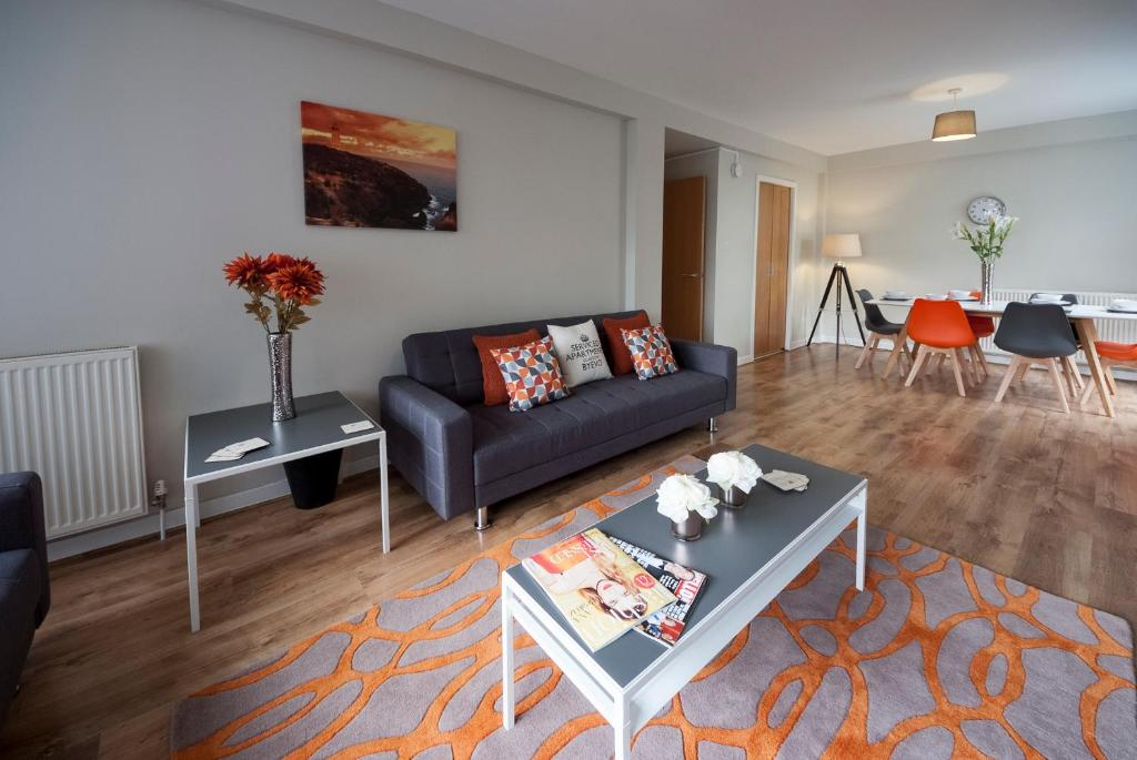 A seating area at ByEvo Glasgow Airport Apartment 6