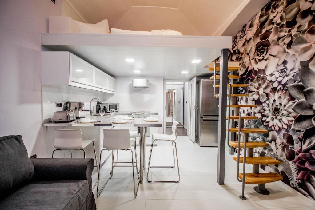 A kitchen or kitchenette at Ruterra Apartment Cimburkova
