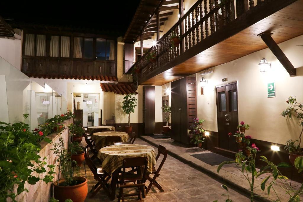 Un restaurante o sitio para comer en Hostal Quipu