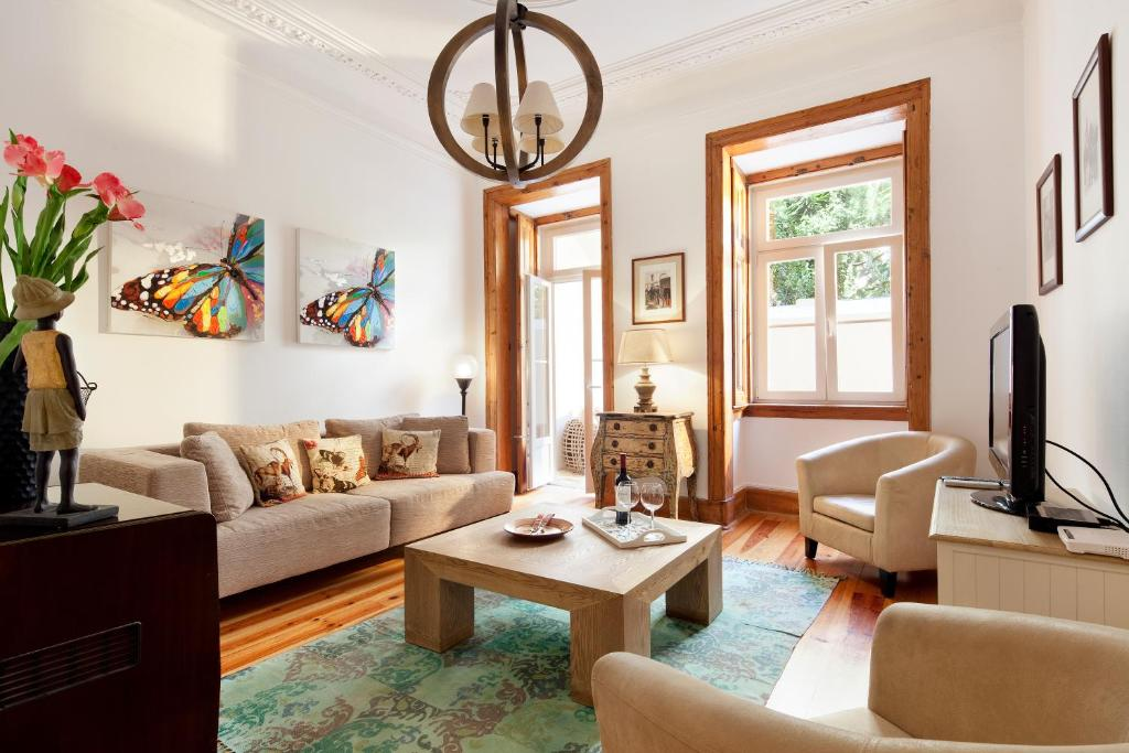 A seating area at Lisbon Rentals Real