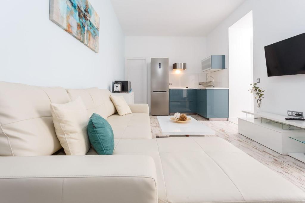 Apartment La Perla de La Caleta, Cádiz, Spain - Booking.com