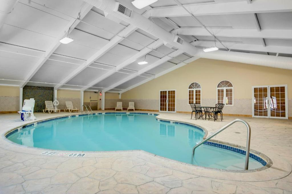 Incredible Days Hotel Toms River Jersey Shore Nj Booking Com Interior Design Ideas Oxytryabchikinfo