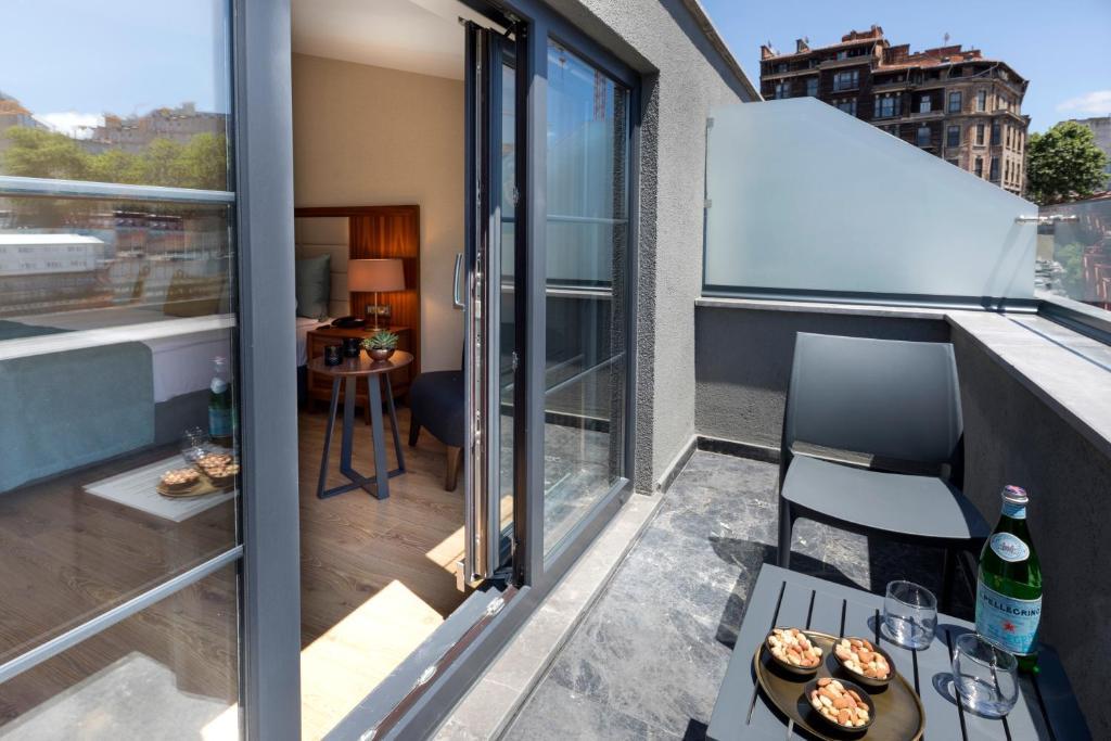 Балкон или терраса в Endless Art Hotel-Special Category