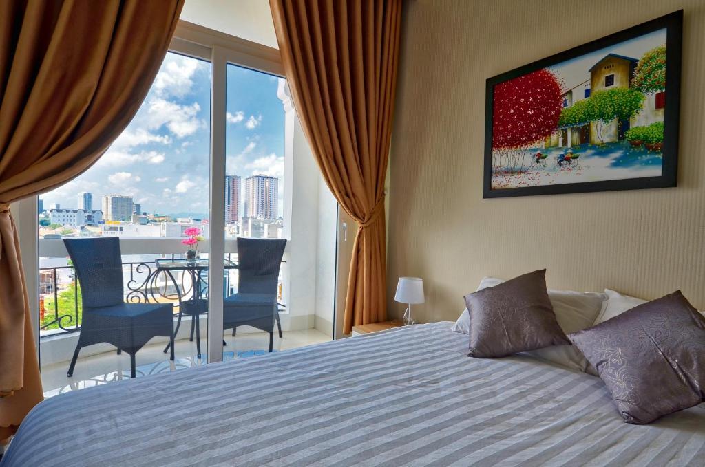 Phòng Deluxe Giường Đôi Nhìn Ra Đồi - Bao Gồm Spa