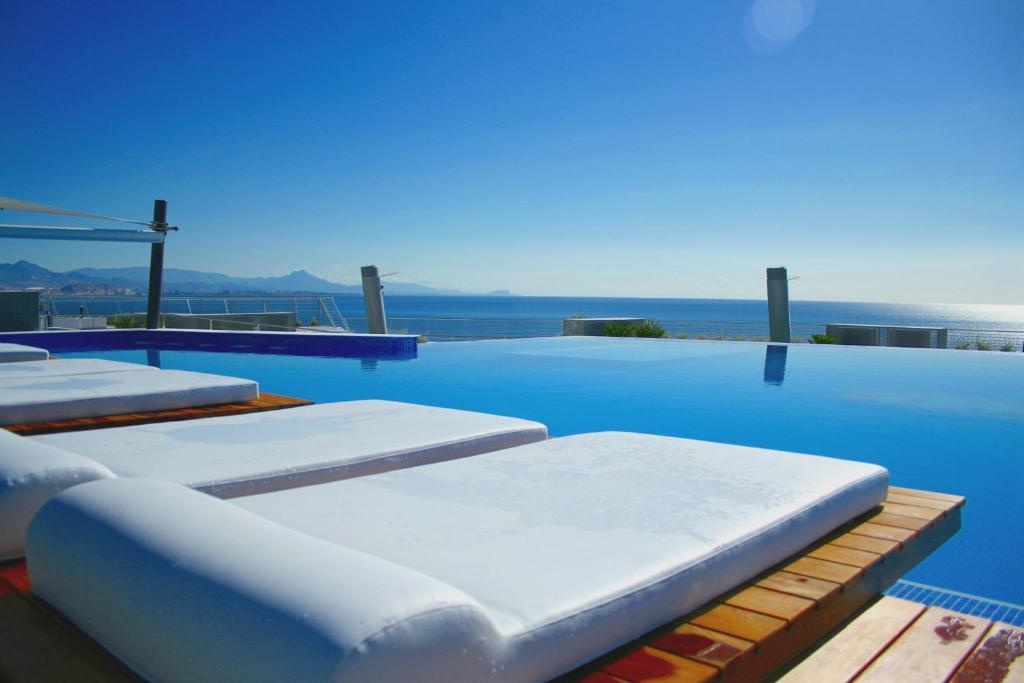 Swimmingpoolen hos eller tæt på Infinity View Apartment