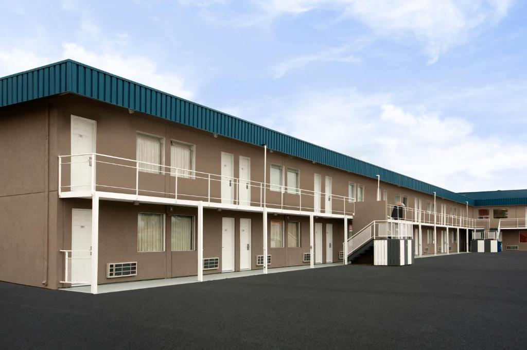 Hotel SkyView Swift Current, Canada - Booking com