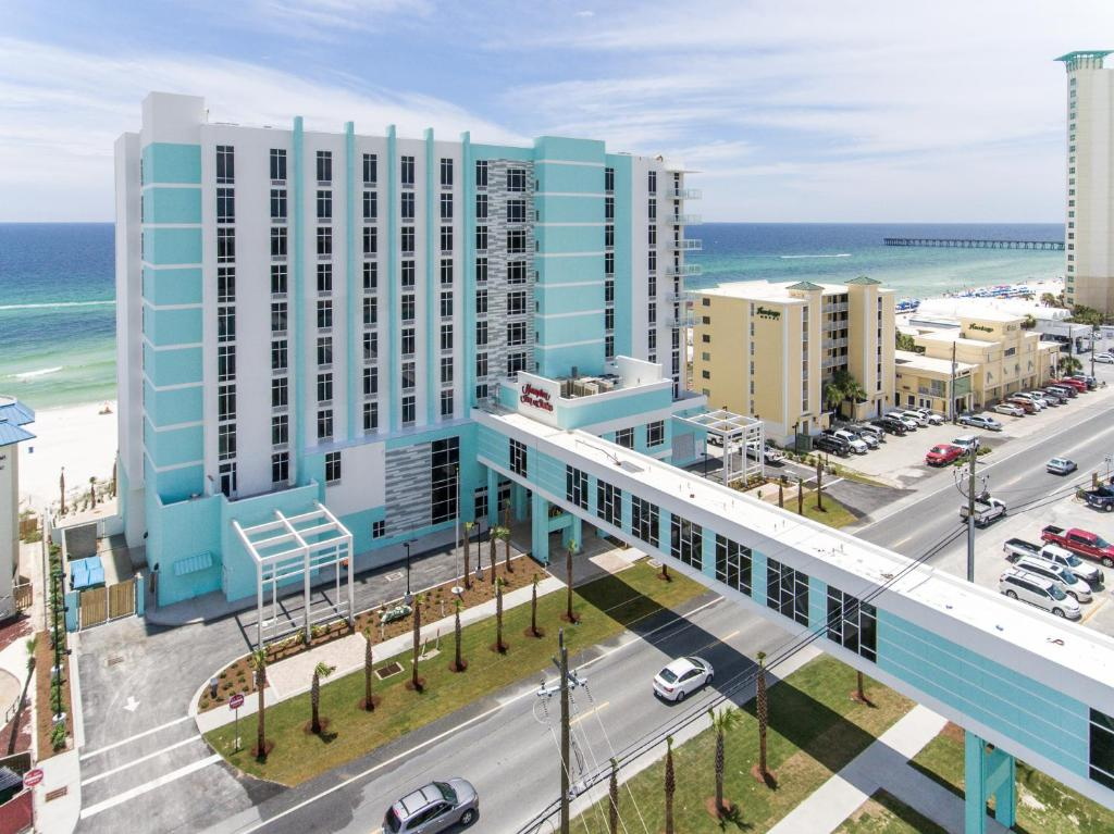 Panama City Beach Hotels >> Hampton Inn Suites Panama City Beach Beachfront Panama