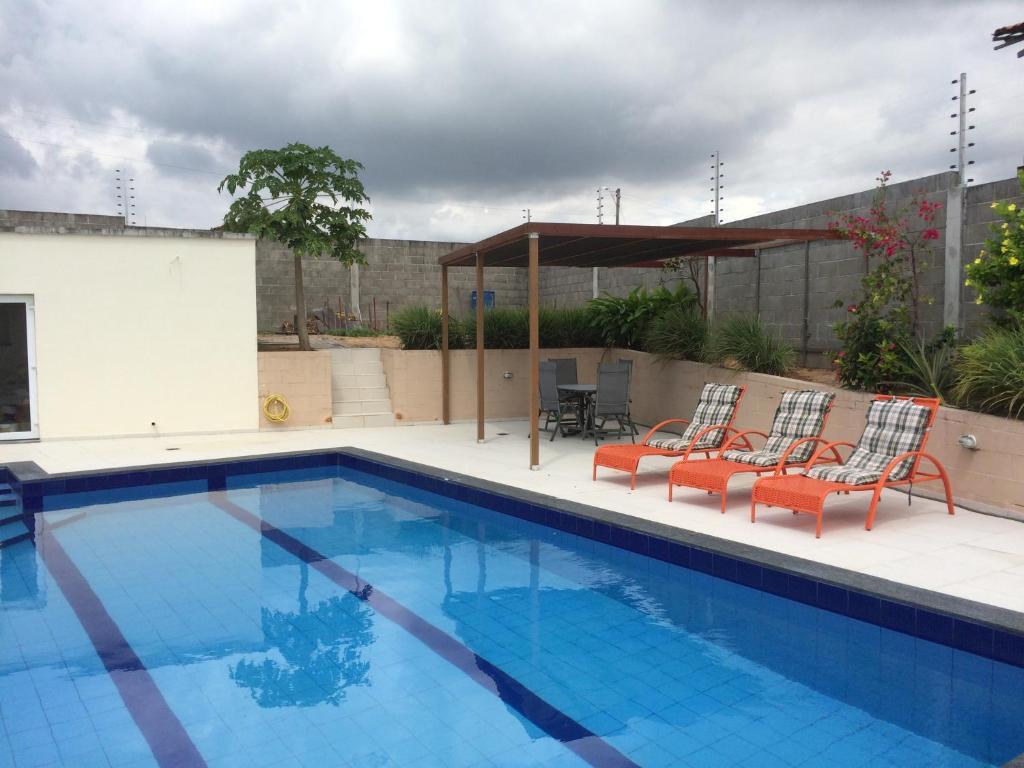 The swimming pool at or close to B & B Alcelinda