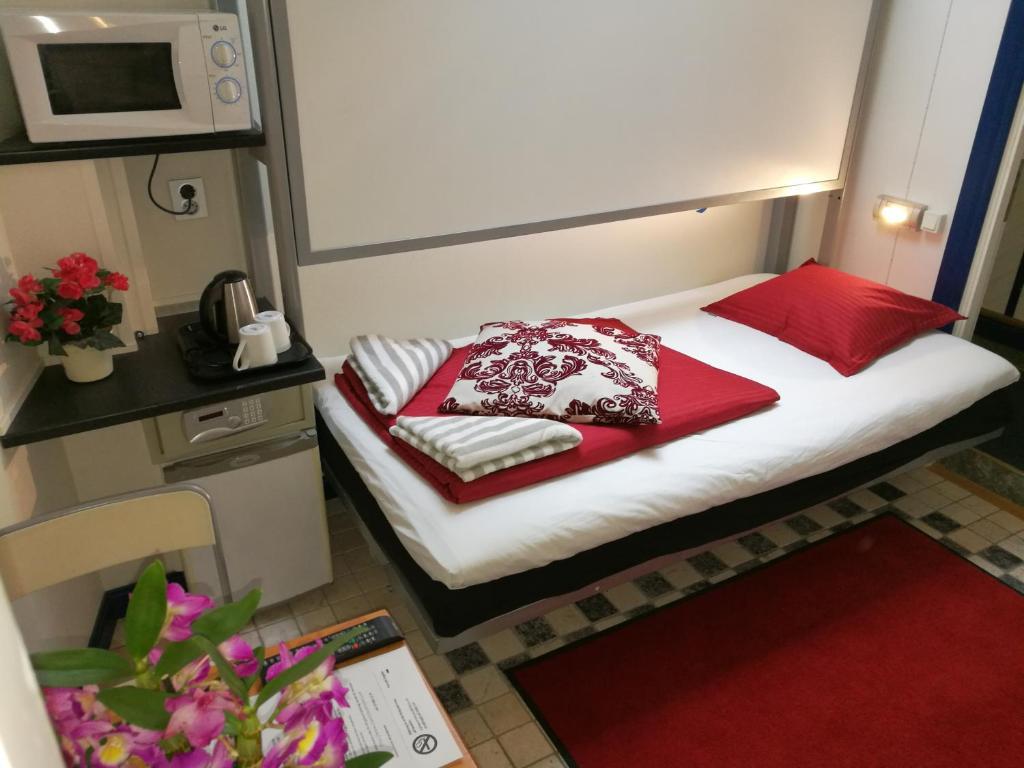 cheap hotel stockholm