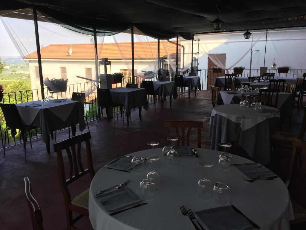 Inn Il Duca Bianco Calosso Italy Booking Com