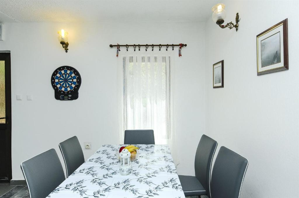 House Miroslav