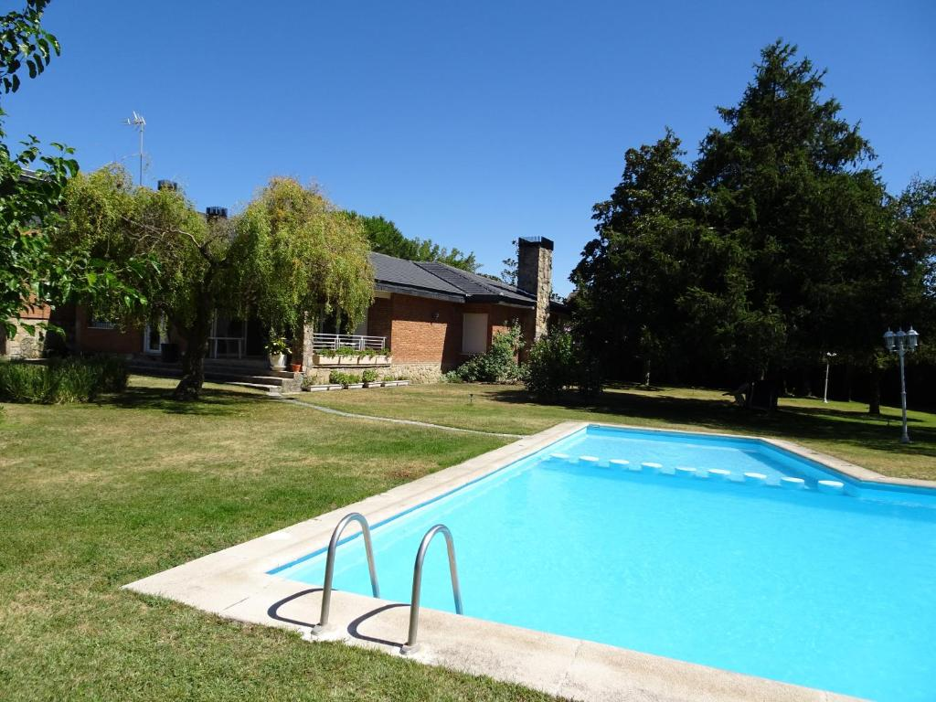 Chalet familar, Villaviciosa de Odón – Updated 2019 Prices