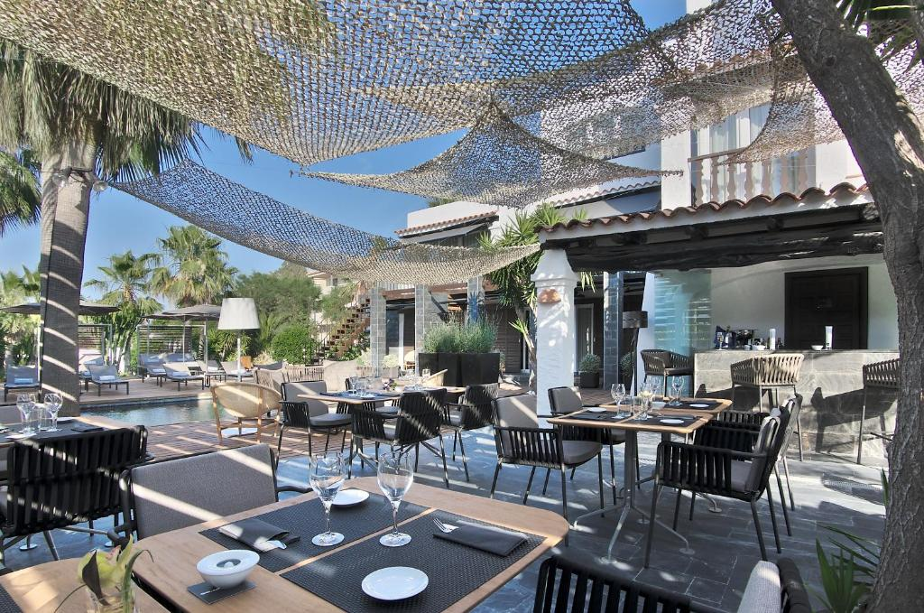 boutique hotels in port des torrent  21