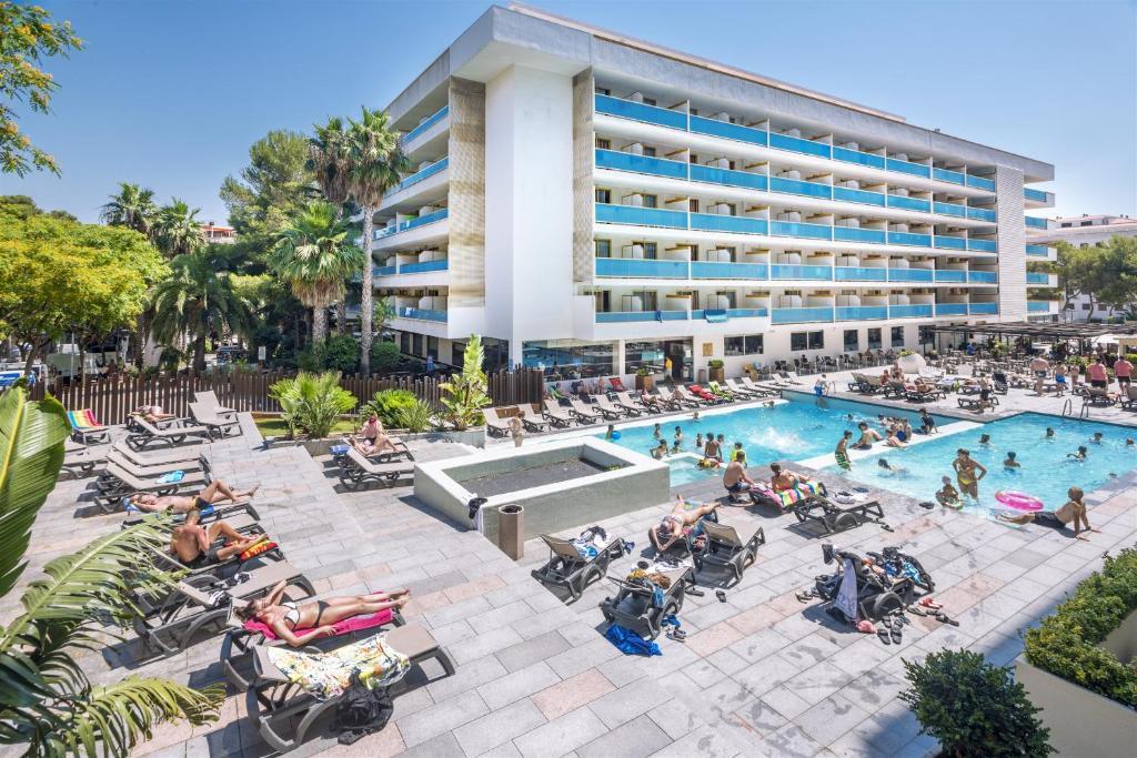Vista de la piscina de 4R Salou Park Resort II o alrededores