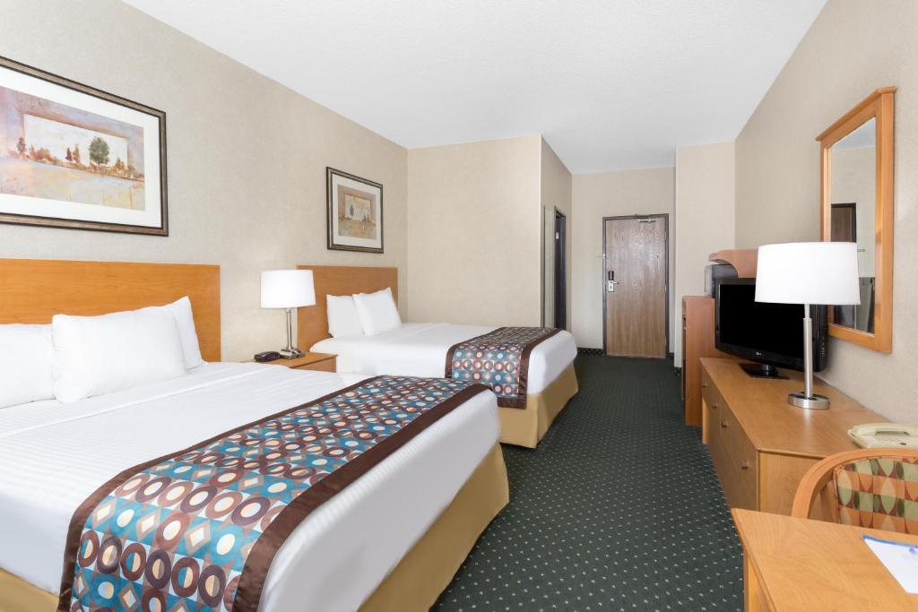 Baymont Inn & Suites -, Waterloo, IA - Booking com