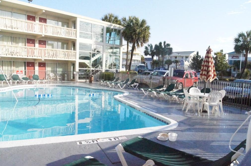 The swimming pool at or near Oceanfront Viking Motel