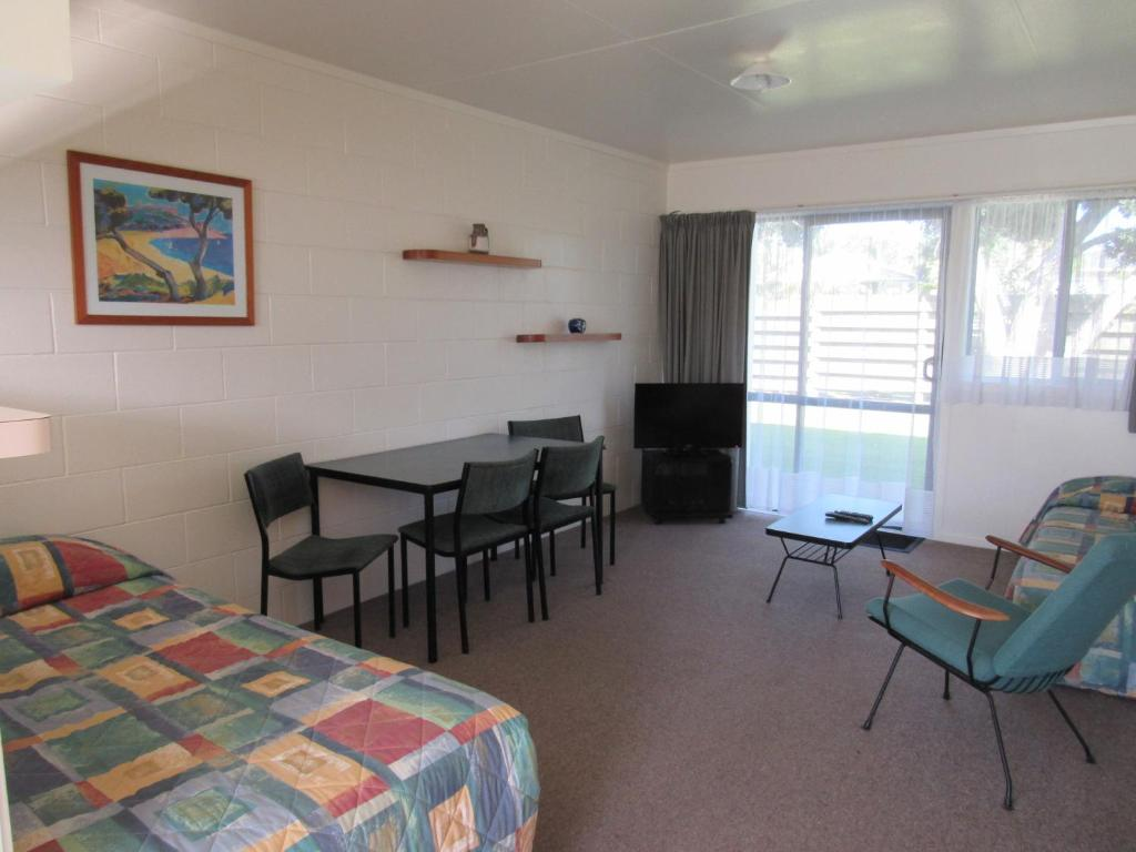 Pukenui Lodge Motel & Backpackers