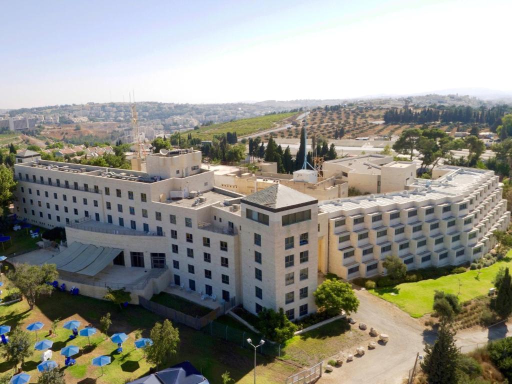 מבט מלמעלה על מלון רמת רחל