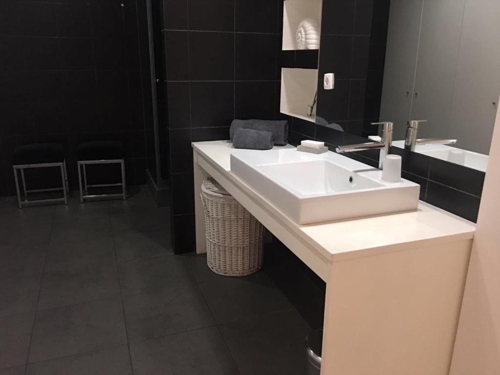 A bathroom at Calle Aduana