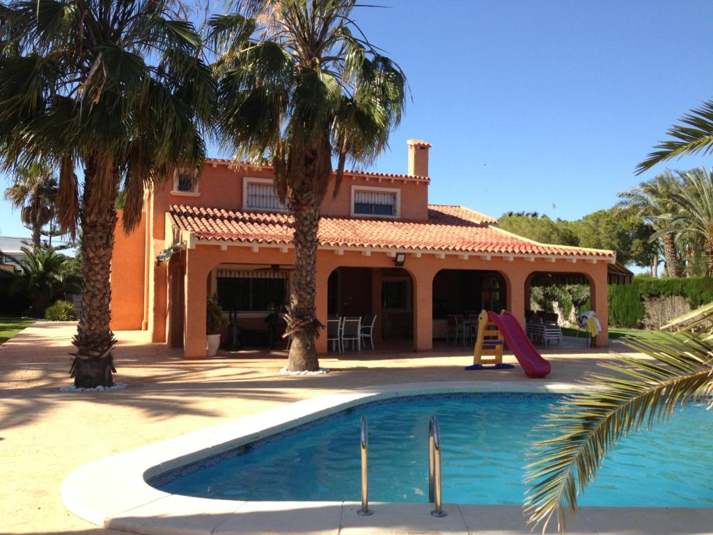 Chalet beach and golf (Spanje Santa Pola) - Booking.com