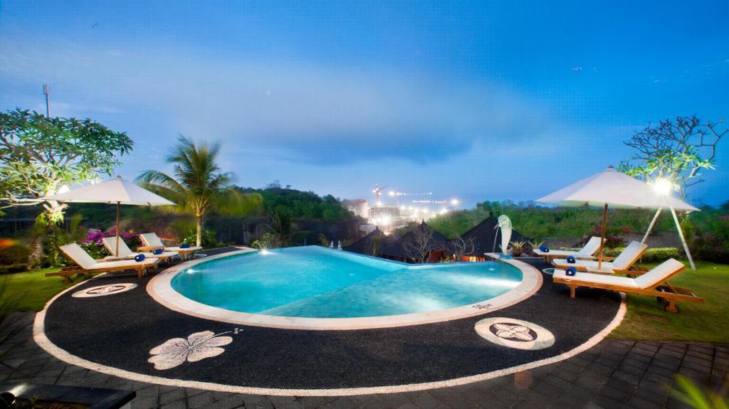 The swimming pool at or near Puri Pandawa Resort