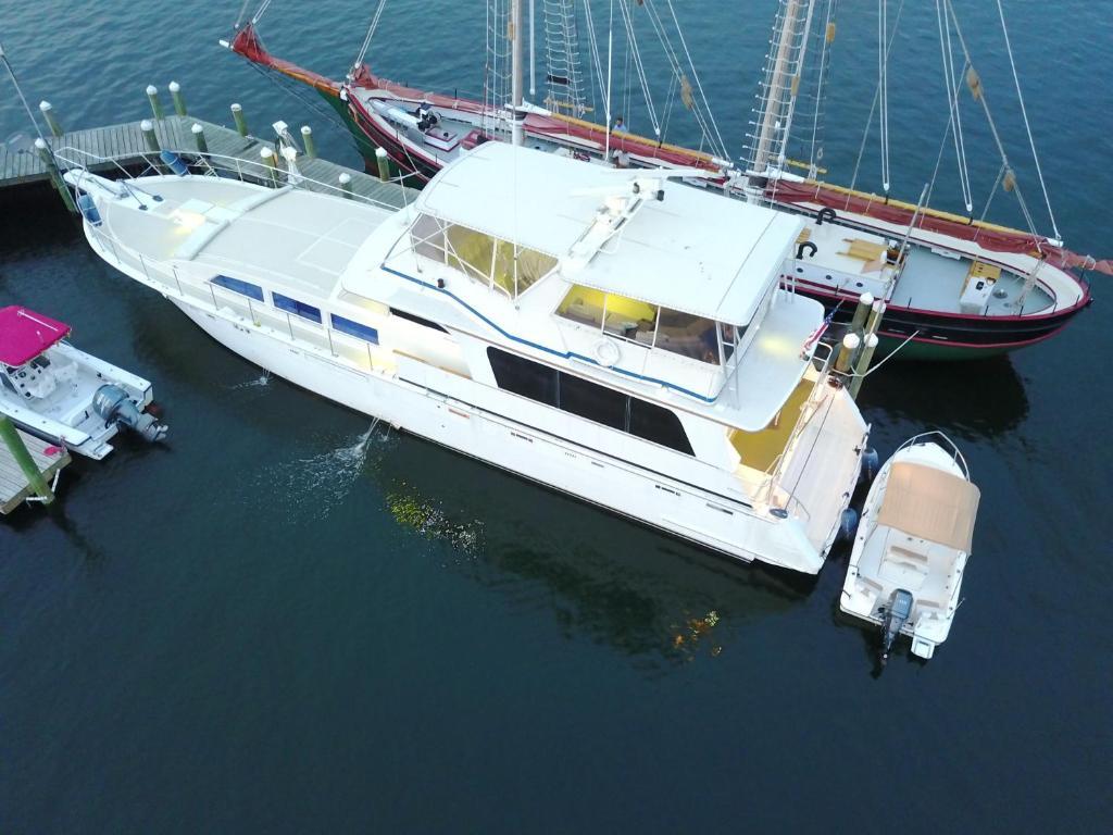Ocean Romance B&B Yacht, Newport, RI - Booking com