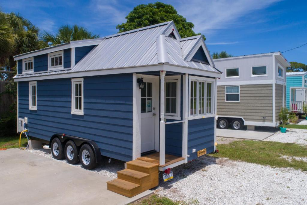 Motel Tiny House Siesta, Sarasota, FL - Booking com