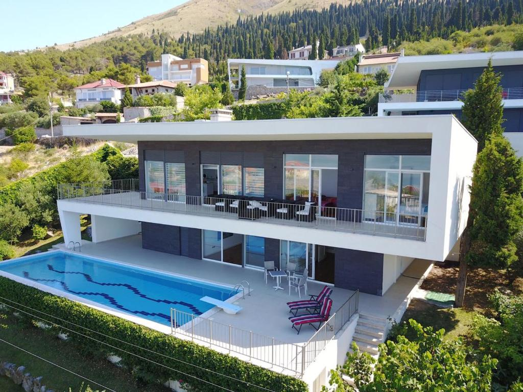 Modern Swimming Villa, Shkodër, Albania - Booking.com