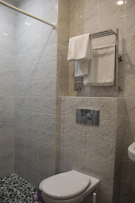 Трехместный номер с душем: фотография номер 7