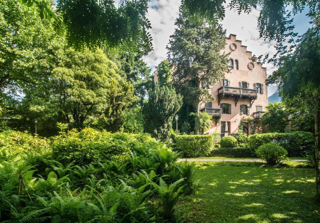 Schloss Castello Pienzenau B&B