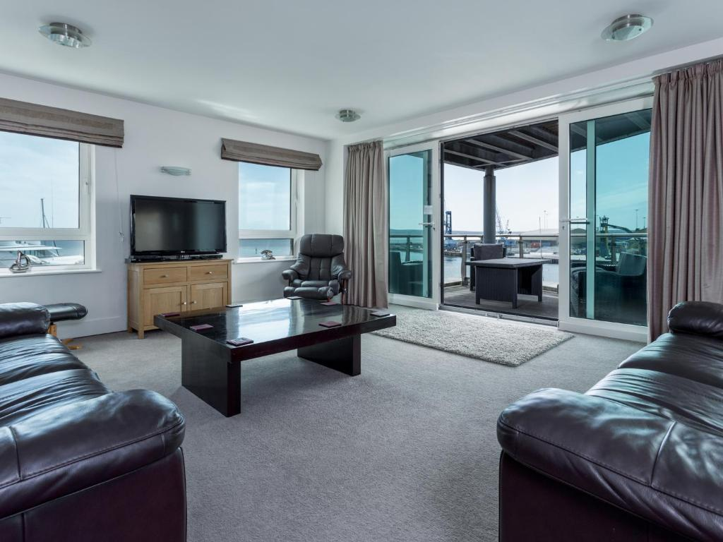 Panorama, Poole – Updated 2019 Prices