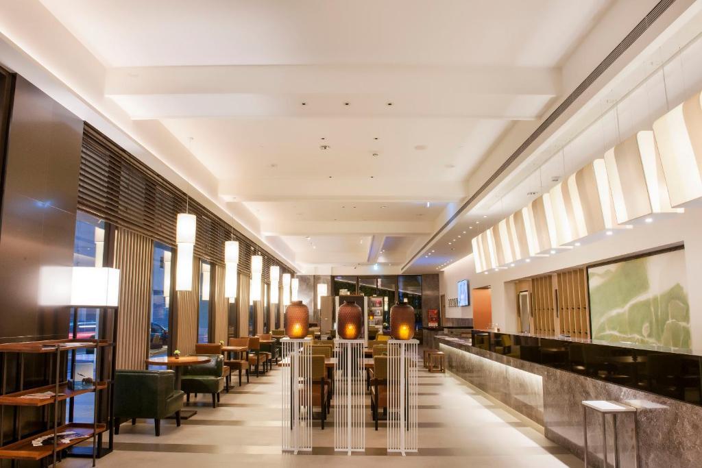 鹿港永樂酒店餐廳或用餐的地方