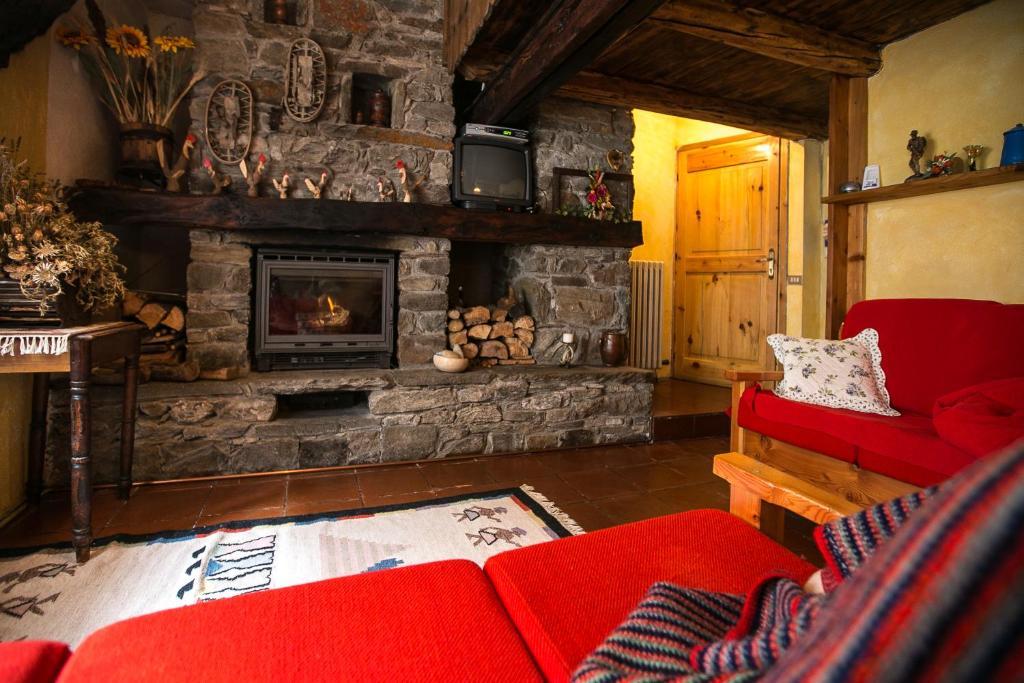 Tipica casa di montagna in Loc. Melignon – Rhemes, Rhemes ...