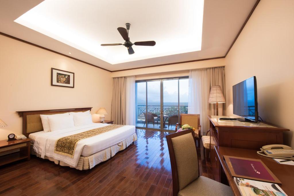 Phòng Grand Deluxe Giường Đôi Nhìn Ra Biển - Bao Cả 3 Bữa
