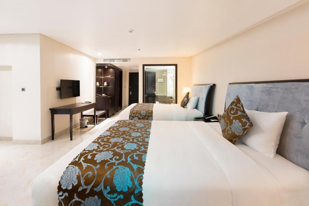 Royal Quang Binh Hotel