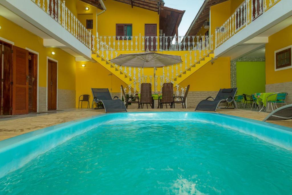 The swimming pool at or close to Pousada Príncipe dos Mares