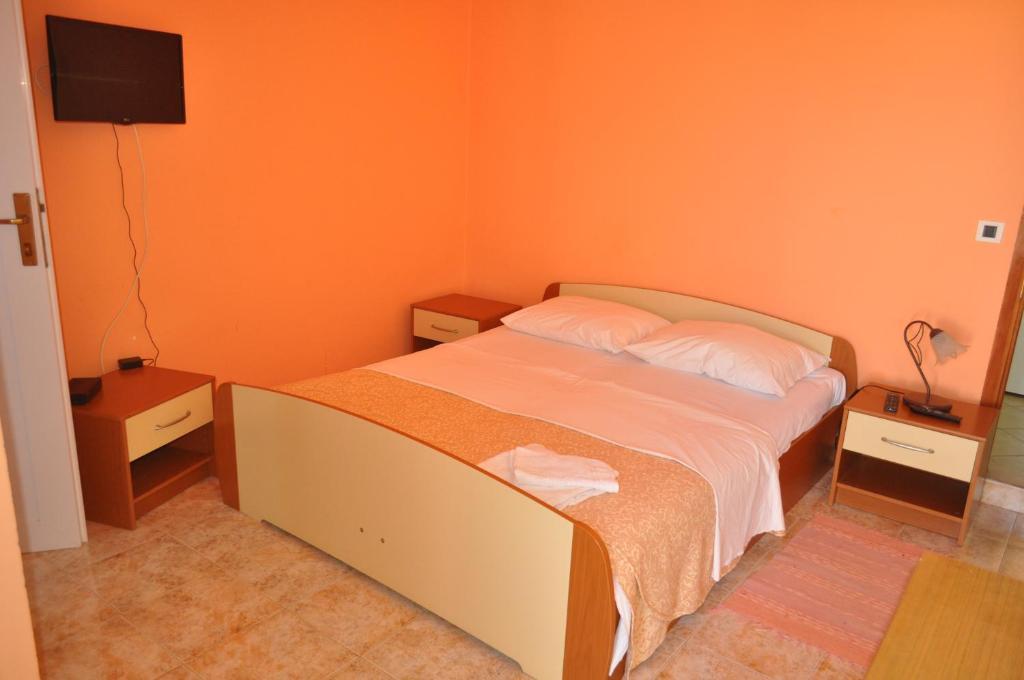 TRI SRCA apartments & rooms