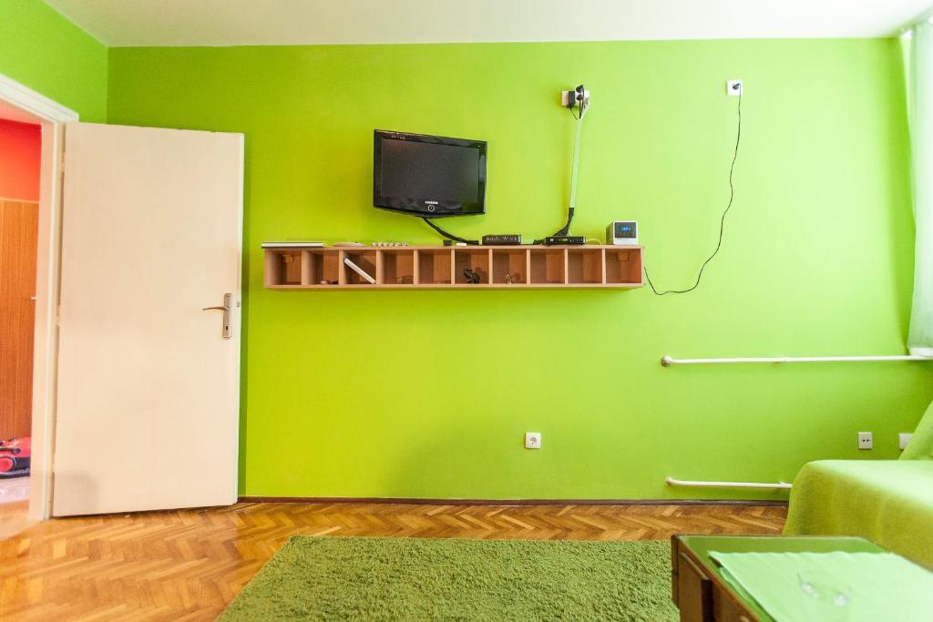 Apartment Tricolor, Belgrade, Serbia - Booking com