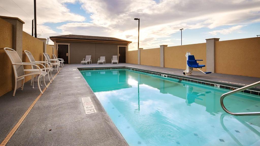 Best Western Plus Lonestar Inn & Suites