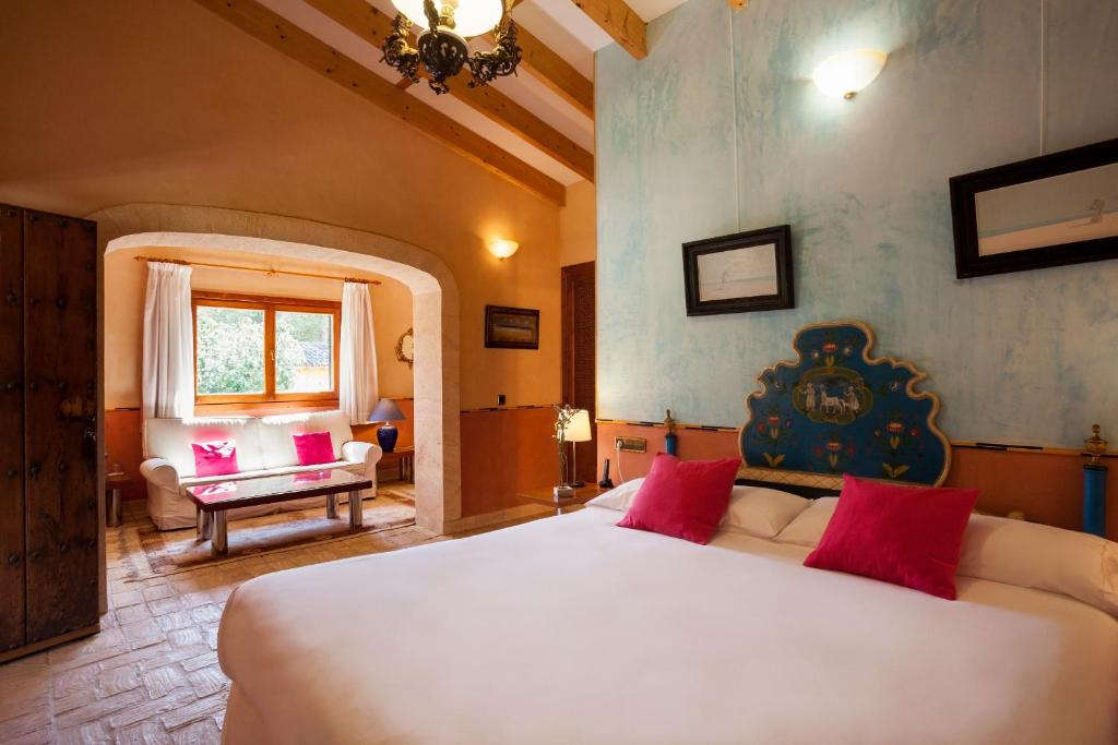 boutique hotels in campos  35