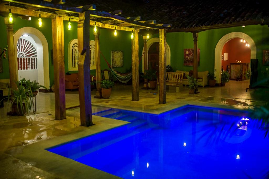 The swimming pool at or close to El Caite Hostel