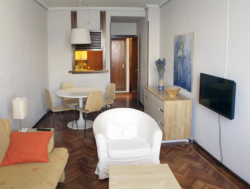 A seating area at Puerta Del Sol Vistas