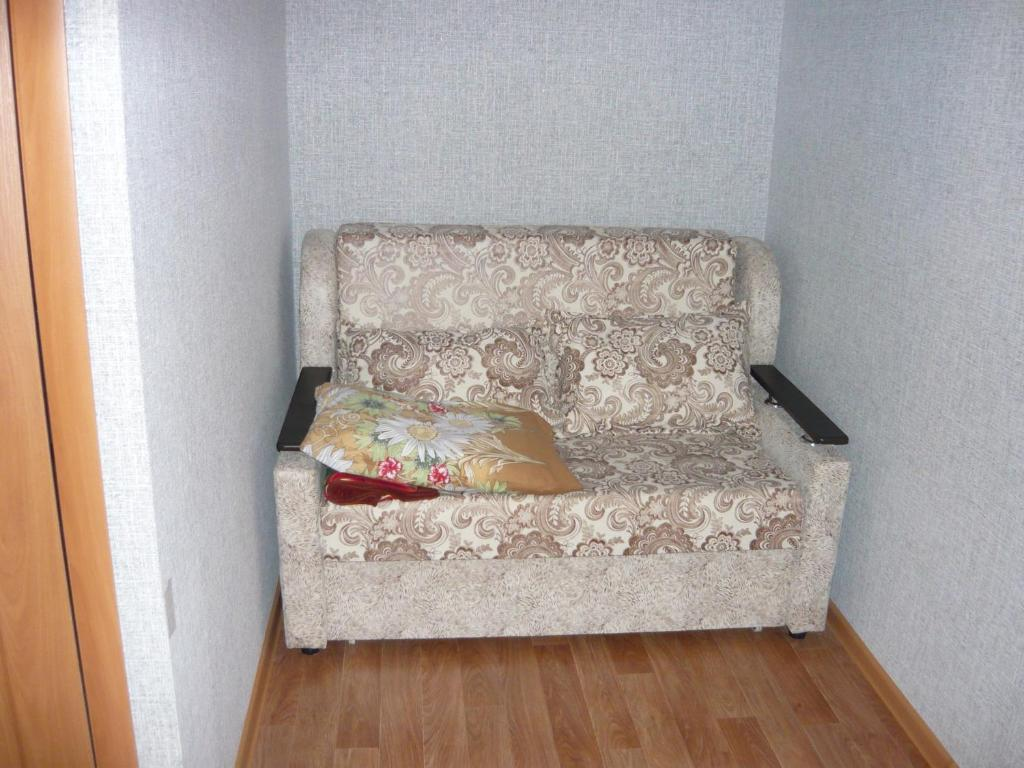 A seating area at Guest House Azov