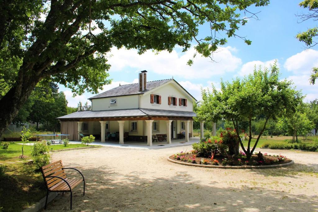 Villa Albaredo, Villameá – Precios actualizados 2019