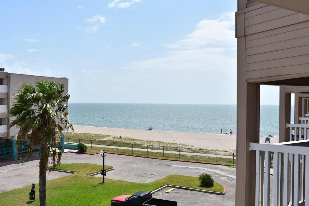Magnificent Corpus Christi Beach Condo 1217 Tx Booking Com Download Free Architecture Designs Griteanizatbritishbridgeorg