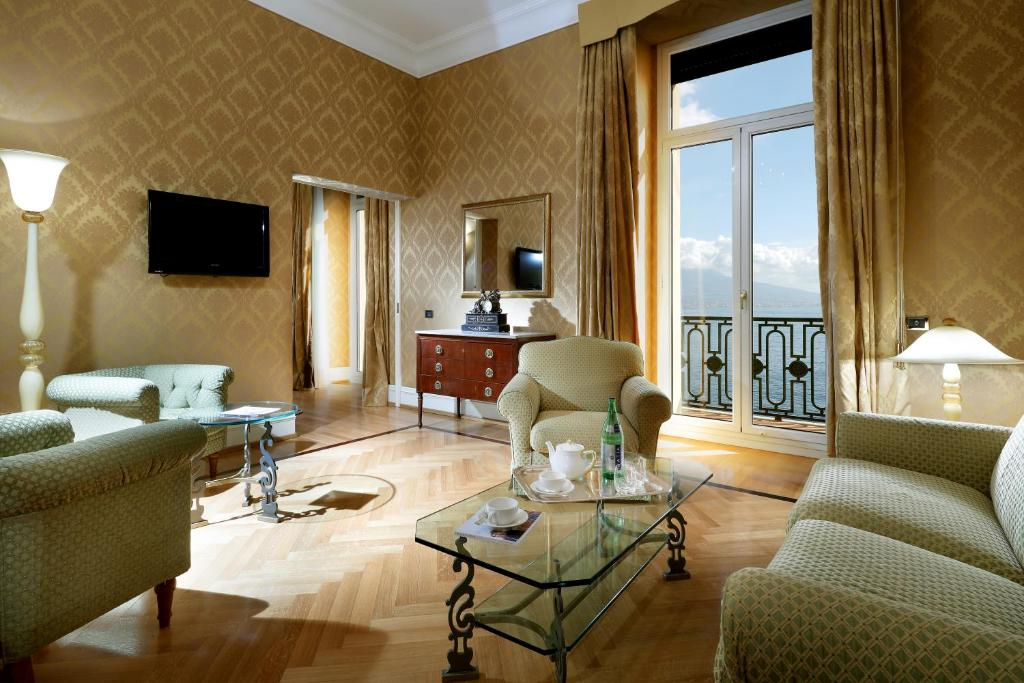 Eurostars Hotel Excelsior Naples Italy Booking Com
