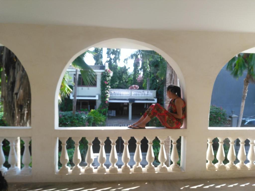Mombasa, Kenia. Puoliso, Grace Wahu (aviol.