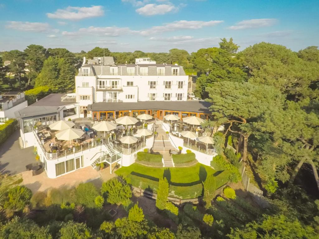 A bird's-eye view of Harbour Heights Hotel