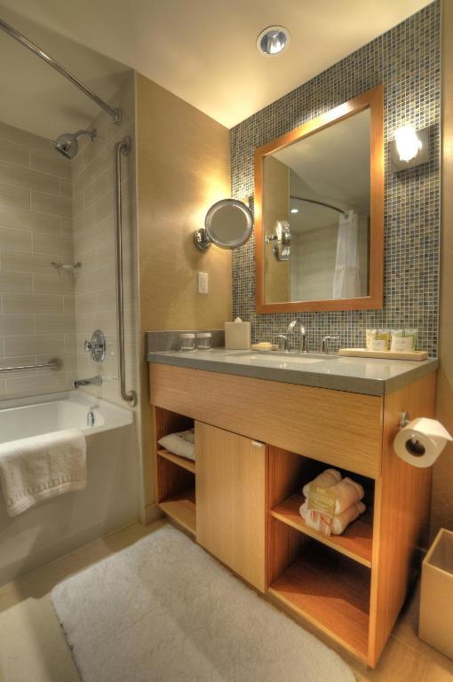 Terrific River Rock Casino Hotel Richmond Canada Booking Com Beutiful Home Inspiration Xortanetmahrainfo
